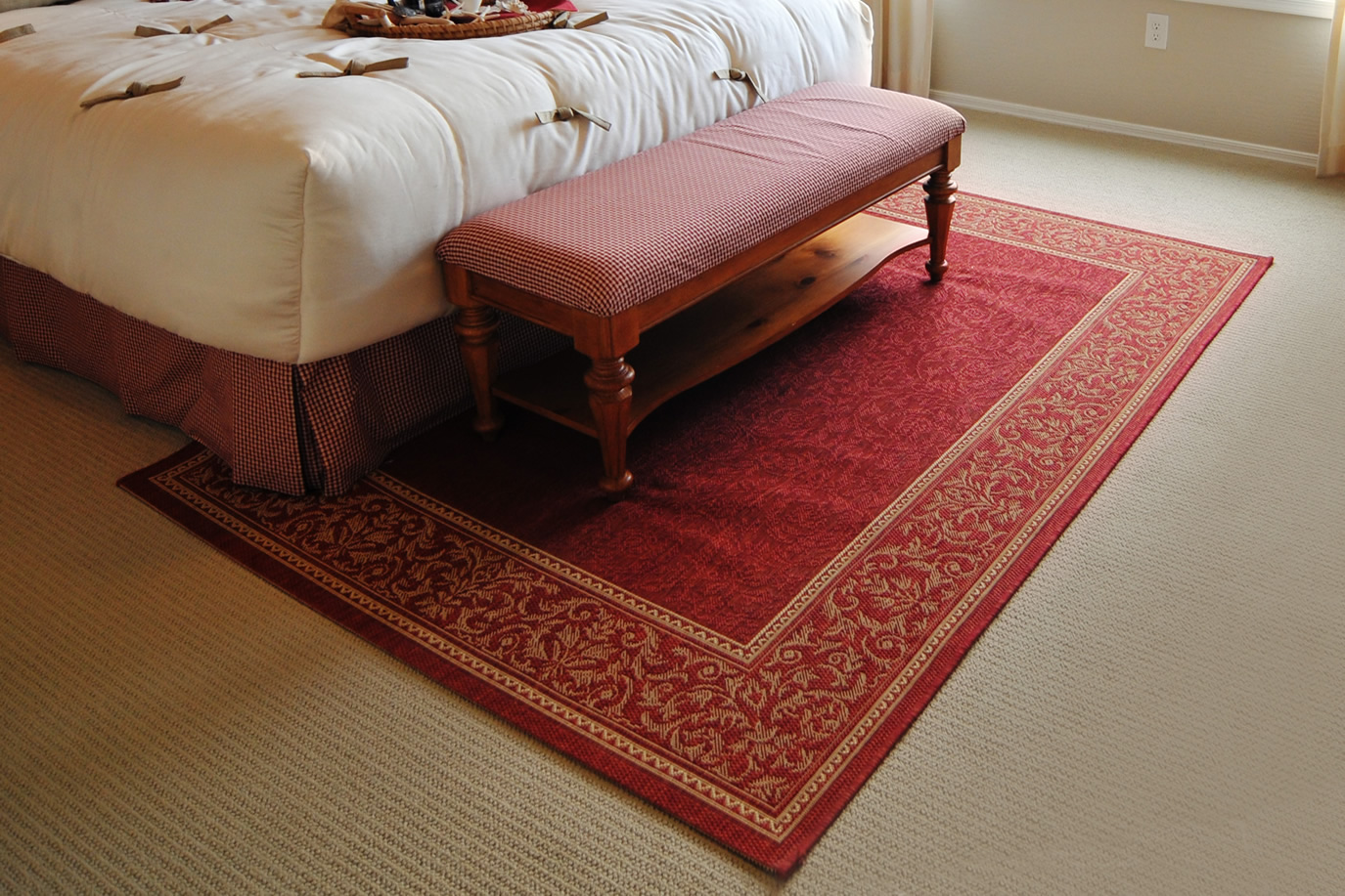 carpet-rm-red-accents